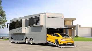 Роскошный лайнер с гаражом для спортивных автомобилей
